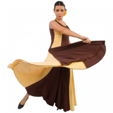 Vestido flamenca con escote redondo vuelo de tres capas y 8 palas E3744
